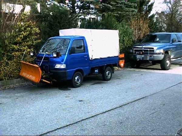 rhochrainer-fuhrpark-räumungsfahrzeug-laster.jpg