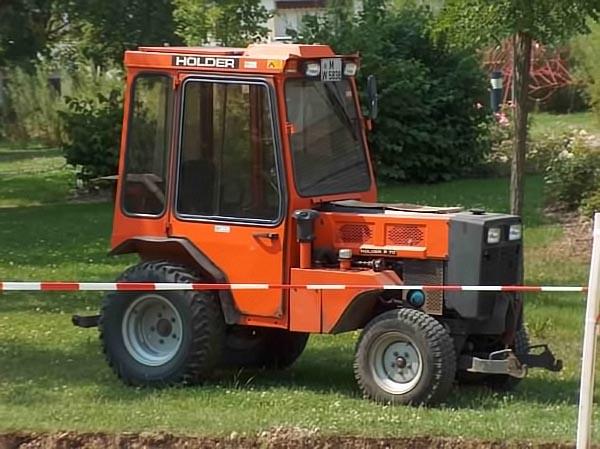 rhochrainer-fuhrpark-traktor.jpg